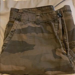 New!!! Never worn! Men's cargo shorts